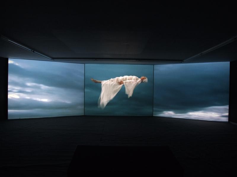 06 玛瑞亚娜·斯塔帕萨基 STRAPATSAKI  Marianna 隐形地带-白色茫茫 Invisible Places- The Vast White2008