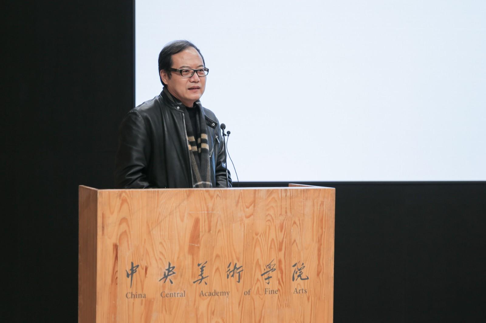 13、主策展人王春辰介绍展览整体方案