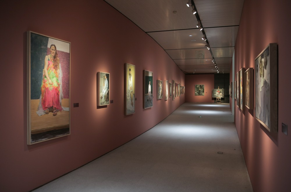 "33 Exhibition View of ""Color"".jpg"